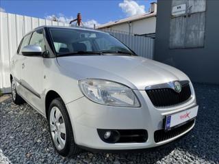 Škoda Fabia 1,4 16V,původ ČR,klima,tažné hatchback benzin