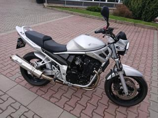 Suzuki nakedbike