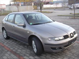 Seat Leon 1,6 SPORT SERVISKA,1.MAJITEL hatchback benzin