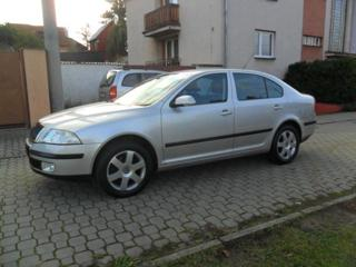 Škoda Octavia 1.6 MPi Elegance hatchback benzin