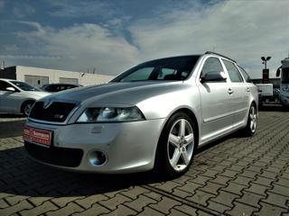 Škoda Octavia 2,0 TFSI*RS*WEBASTO*XENONY*AUTOKLIMA* kombi benzin