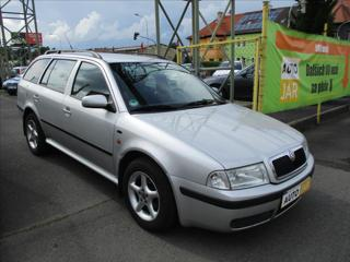 Škoda Octavia 1,6 i  AMBIENTE kombi benzin
