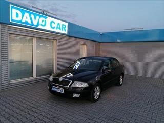Škoda Octavia 1,6 FSI 85kW Elegance Xenon liftback benzin