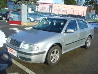 Škoda Octavia 1.6 i Elegance liftback