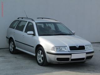 Škoda Octavia 1.6 TDi Sport Elegance liftback nafta