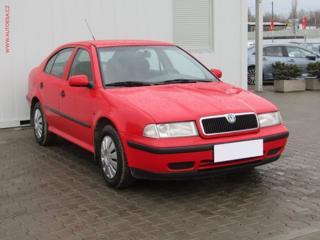 Škoda Octavia 1.6 i liftback benzin