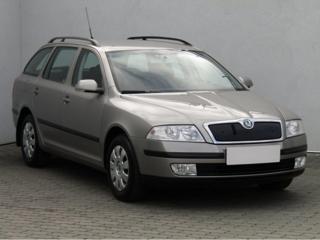 Škoda Octavia 2.0 FSi Elegance liftback benzin