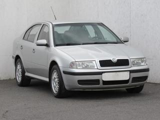 Škoda Octavia 1,6 i, ČR liftback benzin