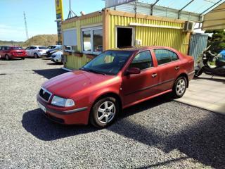 Škoda Octavia 1.6i liftback