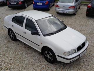 Škoda Octavia I 1,6 i liftback benzin
