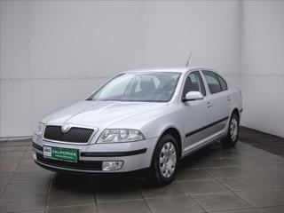 Škoda Octavia 1,6 i Aut.klima,Serviska hatchback benzin