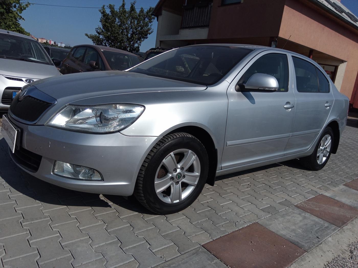 Škoda Octavia 2.0 TDI PD Ambiente sedan