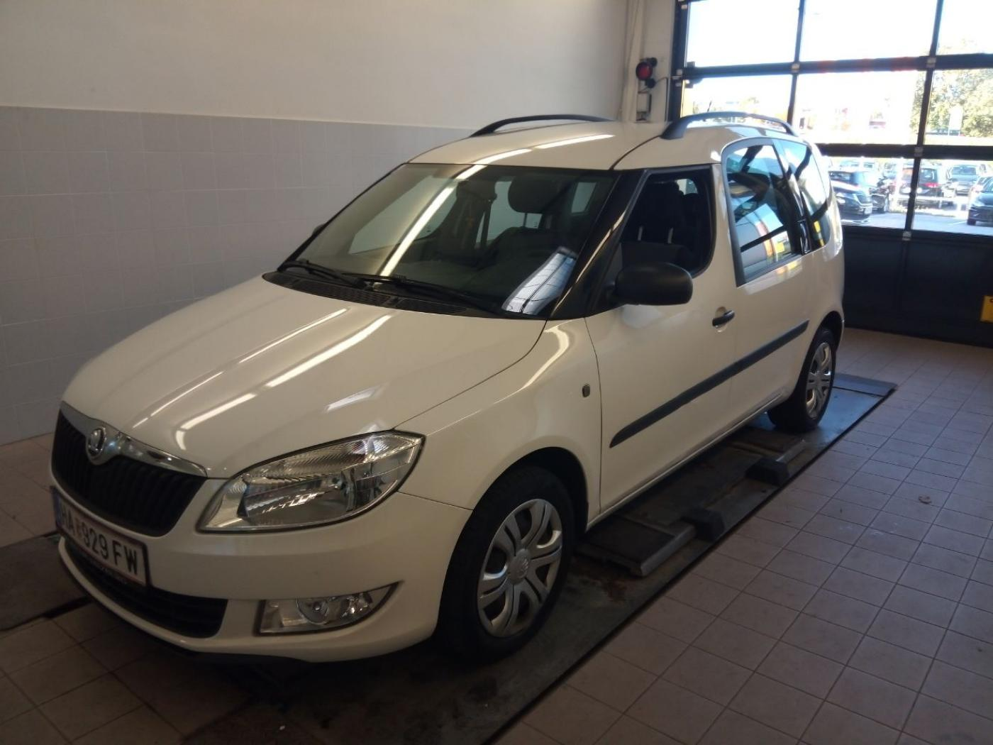 Škoda Roomster 1,2 TSI active plus hatchback