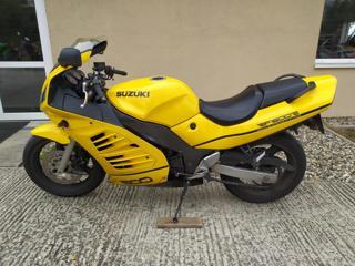 Suzuki 1996, 600 ccm, 72 kW silniční cestovní