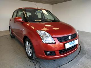 Suzuki Swift 1.3i 16V  TOP STAV hatchback
