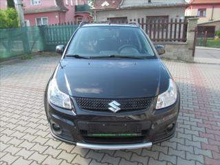 Suzuki SX4 1,6 4x4 1.majitel Serviska hatchback benzin