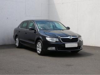 Škoda Superb 2.0 TDi Ambition liftback nafta