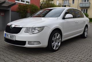 Škoda Superb 1,9   TDI Kllima ALU R17 limuzína benzin