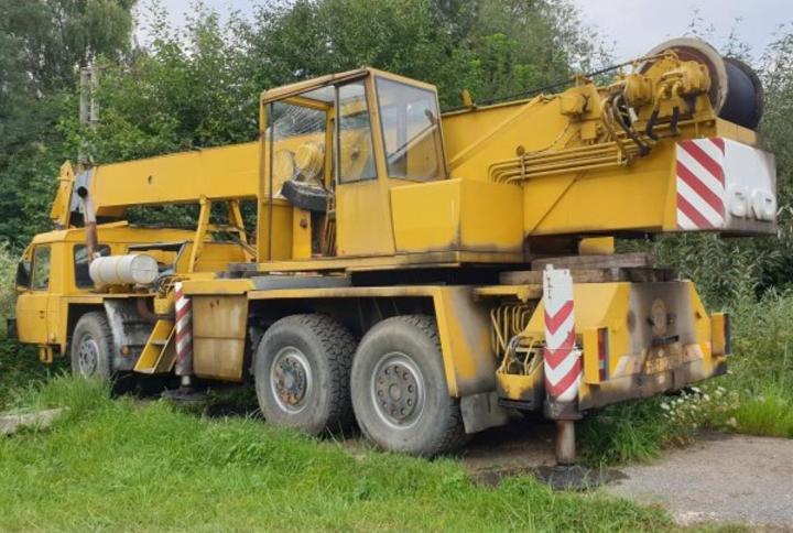 Tatra 1987, 8000 ccm autojeřáb