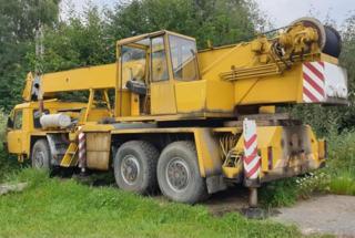 Tatra 1987, 8000 ccm autojeřáb - 1