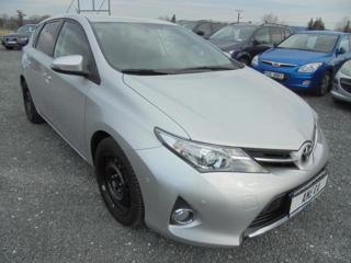 Toyota Auris 1.4 d d hatchback nafta