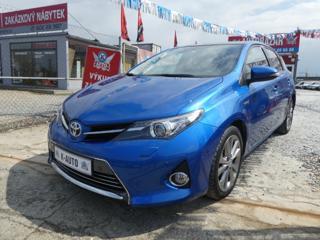 Toyota Auris 1.8VVTi 73kW*Hybrid*1.maj.* hatchback hybridní - benzin