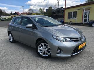 Toyota Auris 1.6 VVT-i 97kW/VÝHŘEV/NAVI/1Maj hatchback