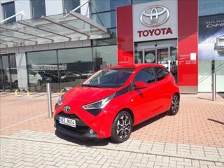 Toyota Aygo 1,0   x-play + Style hatchback benzin