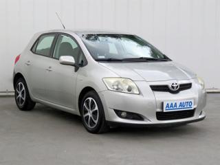 Toyota Auris 1.4 VVT-i 71kW hatchback benzin