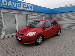 Toyota Auris 1,3 VVT-i CZ Klima Serv.kniha hatchback benzin