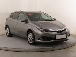 Toyota Auris 1.2 Ti 85kW hatchback benzin