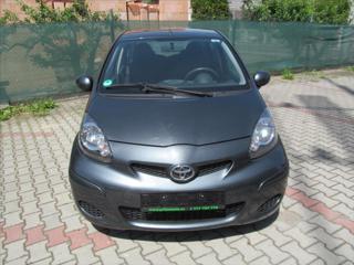 Toyota Aygo 1,0 KLIMA  1.majitel hatchback benzin