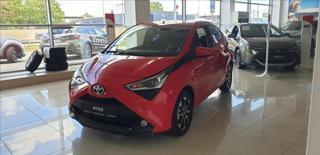 Toyota Aygo 1,0 60kW  X-play + Style hatchback benzin