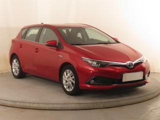 Toyota Auris Hybrid 100kW hatchback benzin