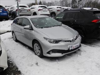 Toyota Auris 1,6   Active kombi nafta