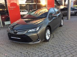 Toyota Corolla 1.6 VVT-i Comfort Tech sedan benzin