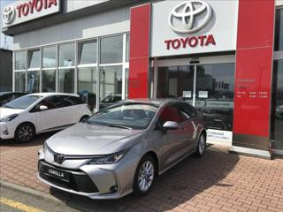 Toyota Corolla 1.6 VVT-i, Comfort Tech sedan benzin