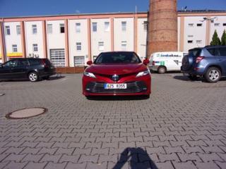 Toyota Camry 2.5 Executive sedan hybridní - benzin