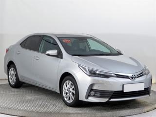 Toyota Corolla 1.6 i 97kW sedan benzin