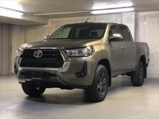 Toyota Hilux 2,8 DC  6M/T 4x4 ACTIVE pick up nafta