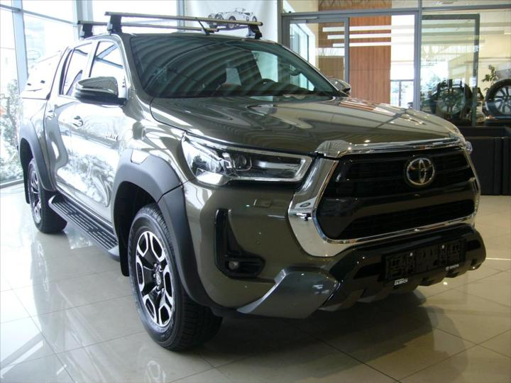 Toyota Hilux 2,8 D-4D 6AT Invisible IHNED!!!  DC pick up nafta