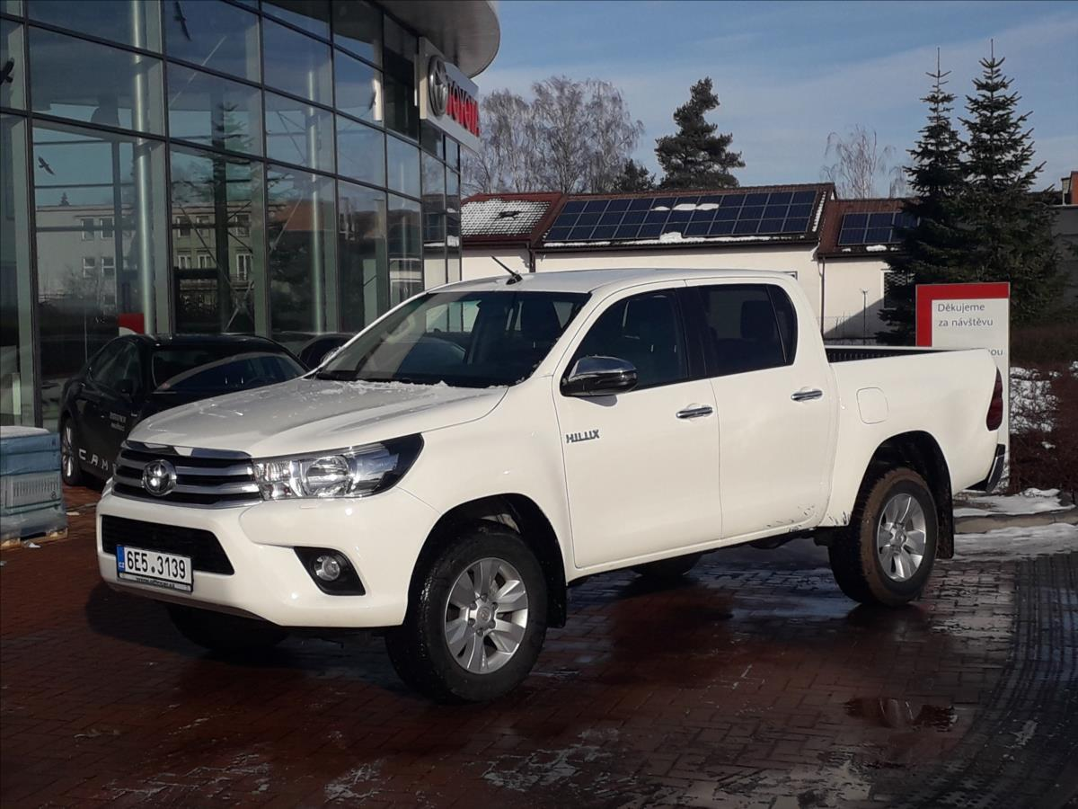 Toyota Hilux 2,4   Active 6M/T 4x4 terénní nafta