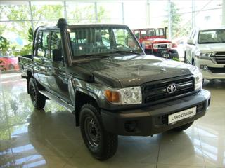 Toyota Land Cruiser 4,0 4,0 V6 5M/T Standart  GRJ 79 DC pick up benzin