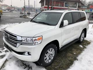 Toyota Land Cruiser V8 5,7 8AT SUV