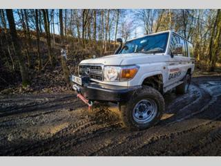 Toyota Land Cruiser 4.0 V6 terénní benzin - 1