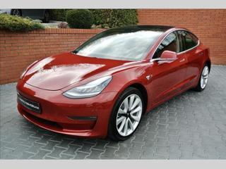 Tesla Model 3 long hatchback elektro