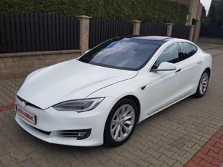 Tesla Model S d 4x4 limuzína elektro