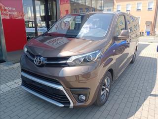 Toyota ProAce 2,0 D-4D 140 6M/T L2  Family Comfort 8S VAN nafta