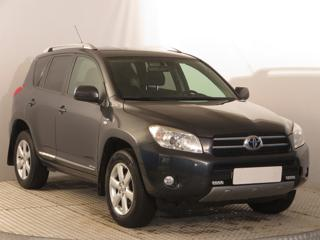 Toyota RAV4 2.2 D-4D 100kW SUV nafta