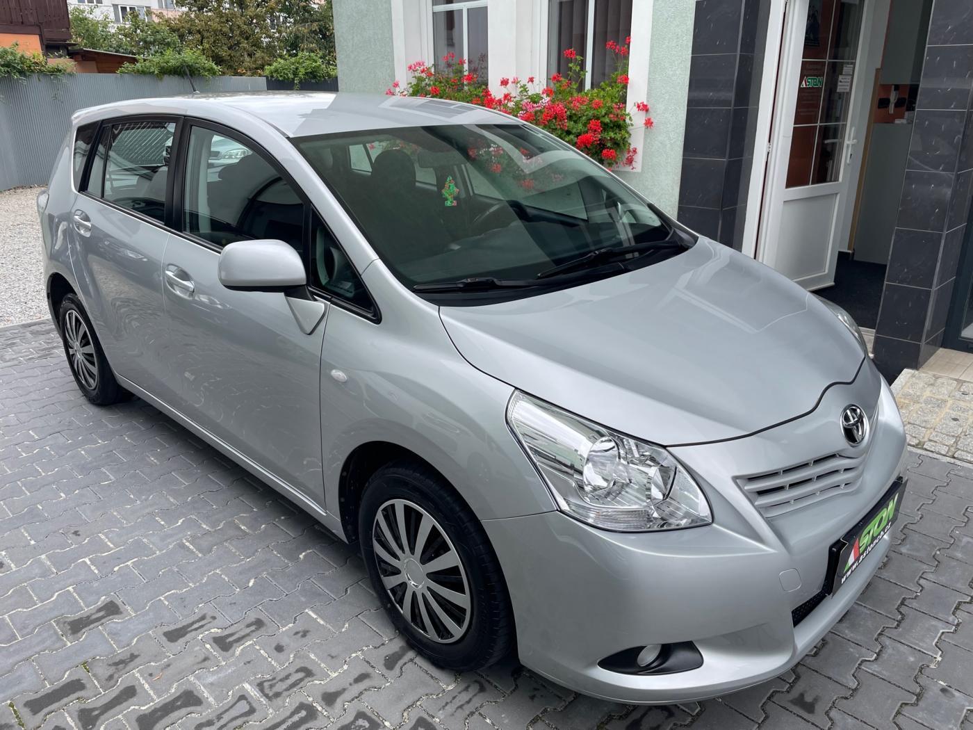 Toyota Verso 1,8 VVTi,108 kW, 7 míst, serviska MPV